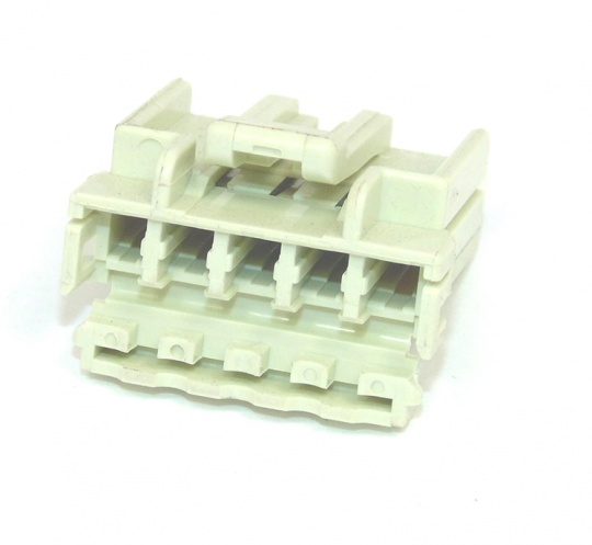 5 Way TE Connectivity Multilock Housing White Female