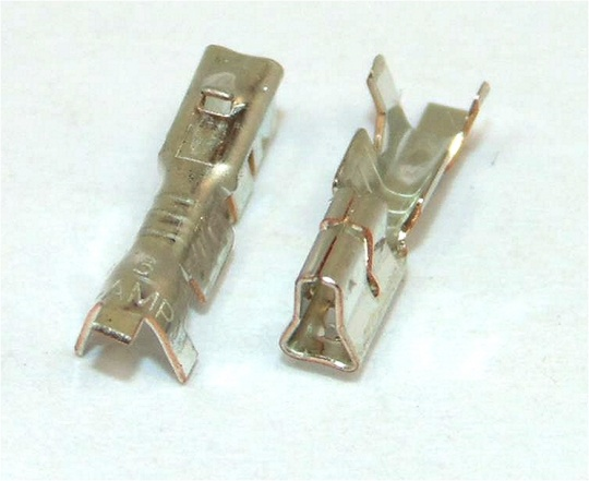 TE Connectivity AMP Signal Double Lock 2.5mm Female 22-20 Awg